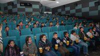 Köy çocukları sinemayla tanıştı