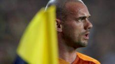 Sneijder son düdüğü beklemedi!