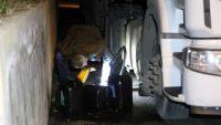 Akaryakıt hırsızları polisten kaçamadı