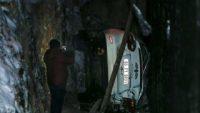 Ankara'da araba inşaat temeline düştü: 2 yaralı