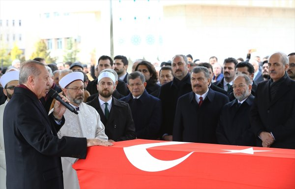 Erdoğan, eski milletvekili Aksak'ın cenazesine katıldı