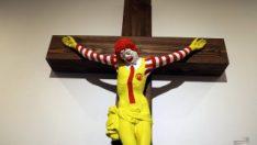 İsrail'de bir müzedeki 'McJesus' heykeli tartışma yarattı