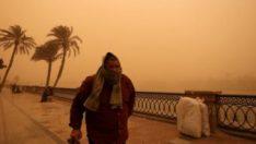 Mısır'da kum fırtınası 5 can aldı