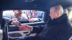 Cumhurbaşkanı Erdoğan minibüsçüleri görünce durdu… Bu dosyayı verdiler