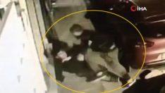 Ahlaksızı, mahalleli tekme tokat dövdü