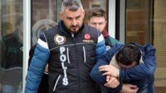 Okul yanında uyuşturucu imalatı yapan 4 kişi tutuklandı