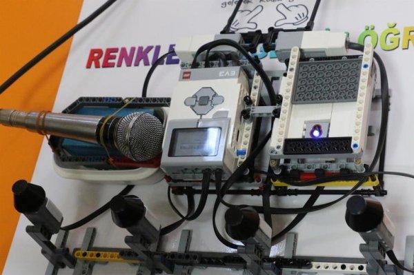 Ortaokul öğrencisinden özel öğrencilere özel cihaz