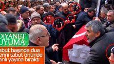 Ozan Arif'in cenazesinde telefon merakı