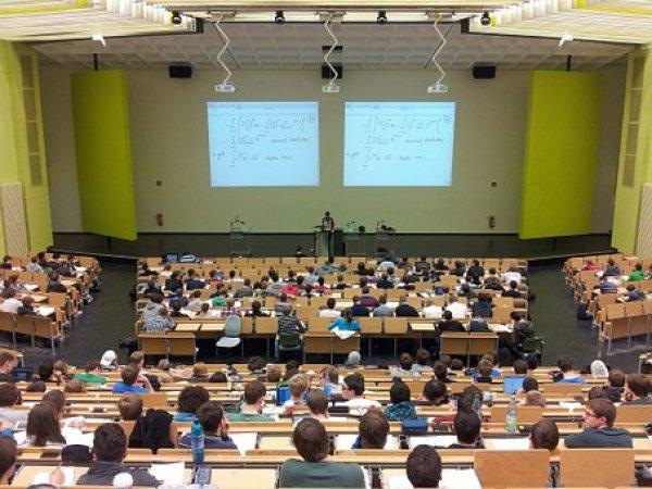 2 bin 674 öğrenci devlet bursuyla yurt dışında okuyor