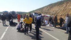 Lastiği Patlayan Minibüs Kaza Yaptı: 15 Yaralı