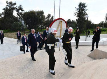 TBMM Başkanı Şentop, Kıbrıs'ta Denktaş ve Küçük'ün Mezarlarını Ziyaret Etti