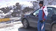 72 yaşında kayak öğretmenliği yaparak geçiniyor