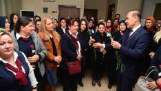 Sözlü'den Kadın Şoförlere Karanfil