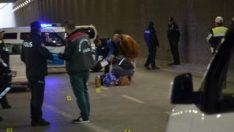 Alt geçitte yürüyen kadına otomobil çarptı