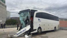 Amasya'da yolcu otobüsüyle kamyon çarpıştı
