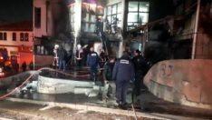 Ankara'da yangın: 6 iş yeri hasar gördü