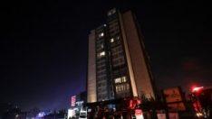 Bağcılar'da 16 katlı otelde yangın