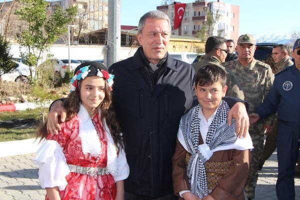 Bakan Akar: Bizim tek hedefimiz teröristlerdir