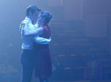 Cihan ve Mahir'den Romantik Dans!
