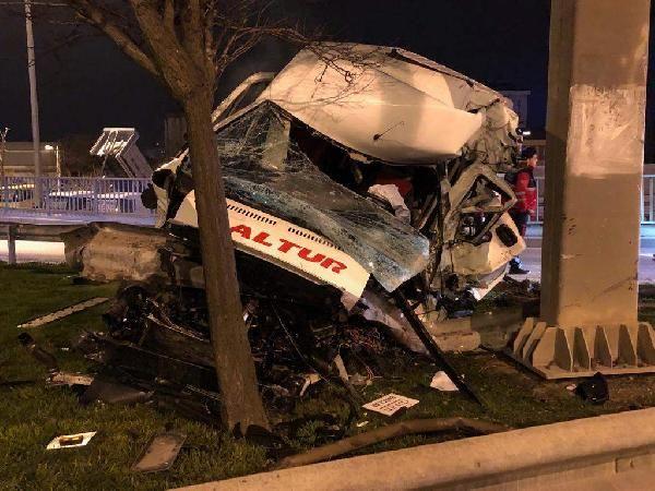 D 100 Karayolu'nda trafik kazası: 1 ağır yaralı