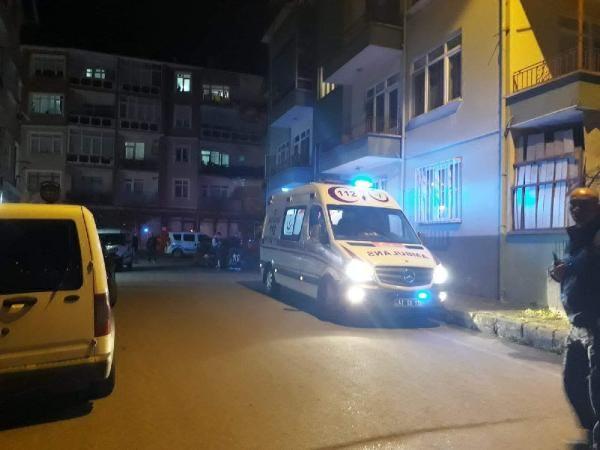 Engelli kişi evinin önünde bıçaklandı