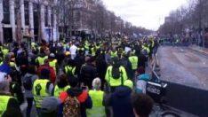 Fransa'da Sarı Yelekliler yine sokaklara döküldü