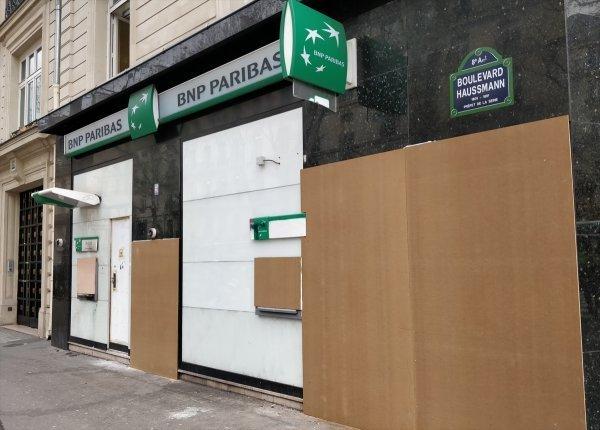 Fransa'daki yağmalamaya demir levhalı önlem