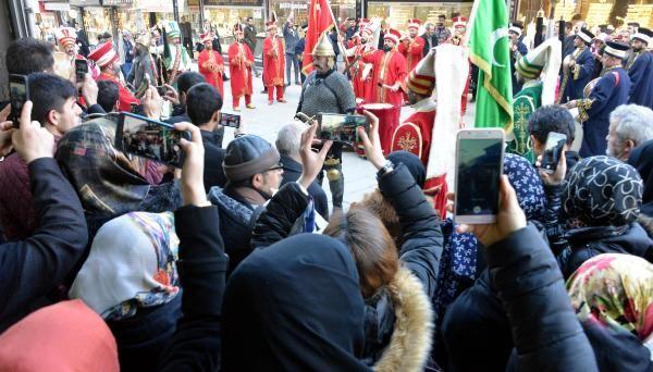 İranlı turistleri mehterle karşıladılar