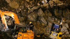 İzmir'de metro inşaatındaki göçükte bir kişiye ulaşıldı
