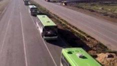 Rusya, Suriye'deki Rukban kampına 15 otobüs gönderdi