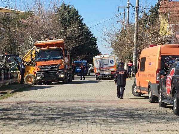 Silivri'de 2 kişi define ararken göçük altında kaldı