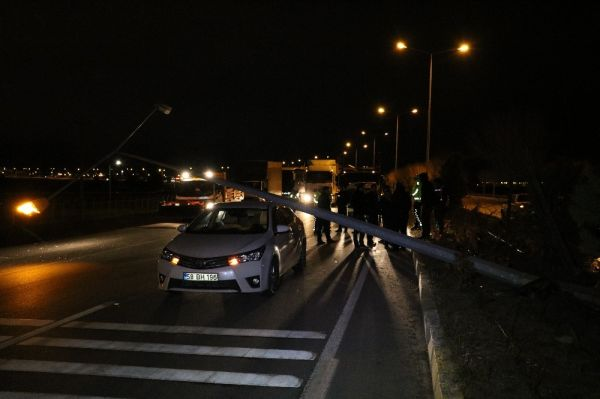 Sivas'ta dikkatsiz sürücü, trafiği birbirine kattı