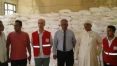 Türk Kızılayı Yemen'de gıda kolisi dağıttı