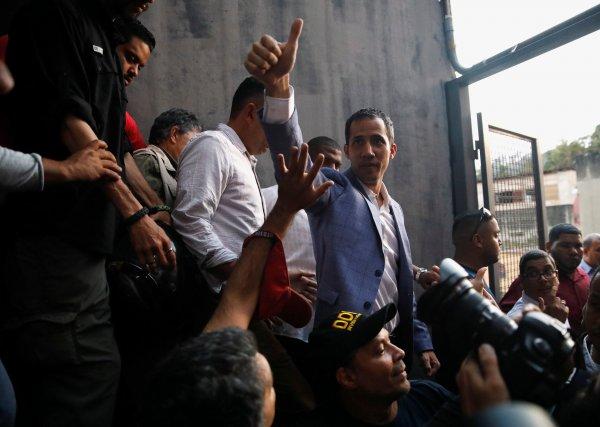 Venezuela'da halk yine sokaklara dökülecek