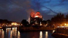 """Dışişleri Bakanı Çavuşoğlu'ndan """"Notre Dame"""" mesajı"""