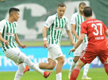 Atiker Konyaspor konuk ettiği Sivasspor ile 1-1 berabere kaldı