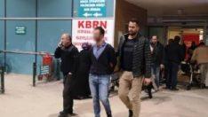 AVM tuvaletinde iki kişiyi bıçakladı, serbest kaldı