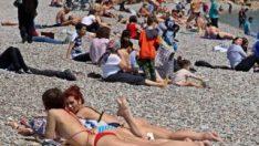 Doğu'da kar Antalya'da yaz etkisi