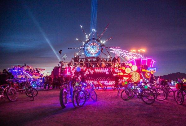 Donald Trump dünyaca ünlü festival için harekete geçti