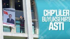 İBB binasına İmamoğlu pankartı asıldı