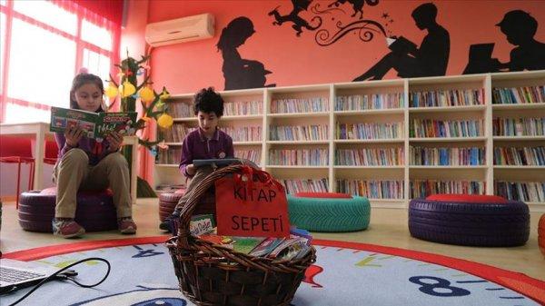 Makam odasını çocuklar için kütüphane yaptı