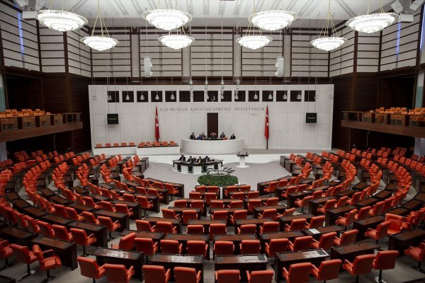 Meclis 1 hafta daha tatile girdi