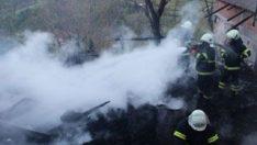 Sinop'ta evde yangın: 3 ölü