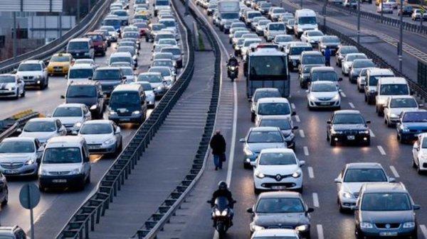 Trafik polisi kural tanımayan sürücüleri affetmedi
